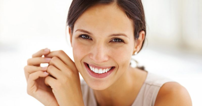 l'huile de cacay possède de multiples bienfaits anti-âge, antioxydante et hydratante pour la peau du visage, excellente pour les peaux matures et sèches