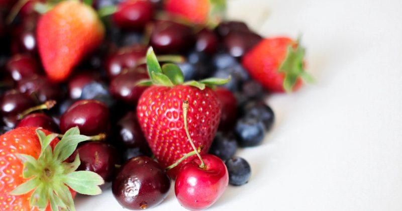bienfaits des petits fruits sur la peau